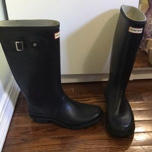 Black Hunter boots women's size US 9